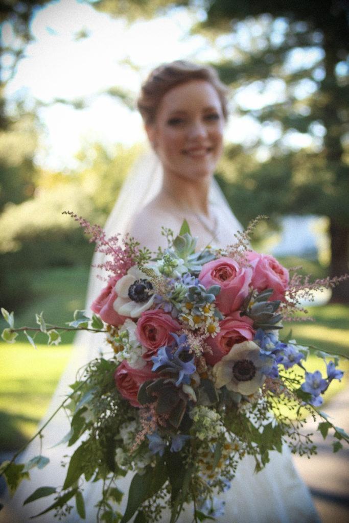 fineline-design-bridal-bouquet-pastels-garden-roses-anemone-ivy-17