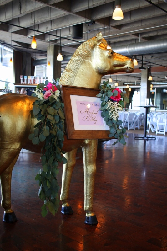 fineline-floral-design-wedding-florist-in-kansas-city-missouri-lees-summit-mo-blush-and-ivory-birch-wood-boxes-cactus-succulents-peonies-gold-horse-3